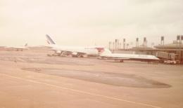 JA8037さんが、パリ シャルル・ド・ゴール国際空港で撮影したブリティッシュ・エアウェイズ Tridentの航空フォト(飛行機 写真・画像)