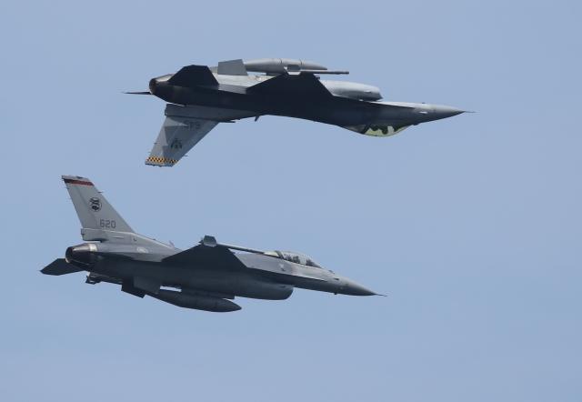 ☆ゆっきー☆さんが、シンガポール・チャンギ国際空港で撮影したシンガポール空軍 F-16 Fighting Falconの航空フォト(飛行機 写真・画像)