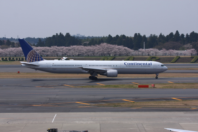 tombowさんが、成田国際空港で撮影したコンチネンタル航空 767-424/ERの航空フォト(飛行機 写真・画像)
