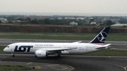 TW_nrl952006さんが、台湾桃園国際空港で撮影したLOTポーランド航空 787-8 Dreamlinerの航空フォト(飛行機 写真・画像)