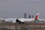 KAZFLYERさんが、成田国際空港で撮影したスリランカ航空 A330-343Eの航空フォト(飛行機 写真・画像)