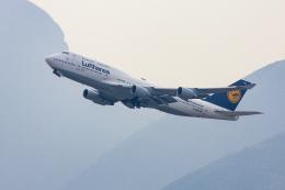 オポッサムさんが、香港国際空港で撮影したルフトハンザドイツ航空 747-430の航空フォト(飛行機 写真・画像)