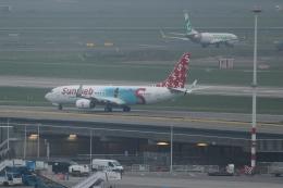reonさんが、アムステルダム・スキポール国際空港で撮影したトランサヴィア 737-8K2の航空フォト(飛行機 写真・画像)