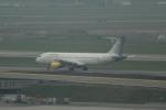 reonさんが、アムステルダム・スキポール国際空港で撮影したブエリング航空 A320-214の航空フォト(飛行機 写真・画像)