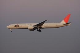 ゆう.さんが、成田国際空港で撮影した日本航空 777-346/ERの航空フォト(飛行機 写真・画像)