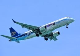 M.Tさんが、那覇空港で撮影したマンダリン航空 ERJ-190-100 IGW (ERJ-190AR)の航空フォト(飛行機 写真・画像)