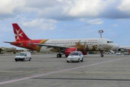 Sakasegawaさんが、マルタ国際空港で撮影したエア・マルタ A320-214の航空フォト(飛行機 写真・画像)