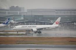 shimayanJPさんが、羽田空港で撮影した日本航空 777-246/ERの航空フォト(飛行機 写真・画像)