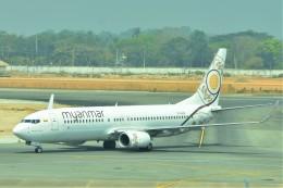 Hiro Satoさんが、ヤンゴン国際空港で撮影したミャンマー・ナショナル・エアウェイズ 737-86Nの航空フォト(飛行機 写真・画像)