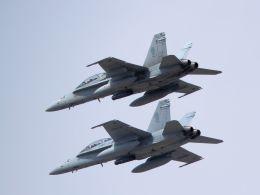 kazuchiyanさんが、岩国空港で撮影したアメリカ海兵隊 F/A-18D Hornetの航空フォト(飛行機 写真・画像)