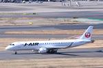 Jyunpei Ohyamaさんが、羽田空港で撮影したジェイ・エア ERJ-190-100(ERJ-190STD)の航空フォト(飛行機 写真・画像)
