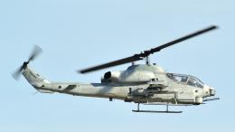 撮り撮り人さんが、岩国空港で撮影したアメリカ海兵隊 AH-1W SuperCobraの航空フォト(飛行機 写真・画像)