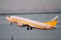 kazuchiyanさんが、羽田空港で撮影したAIR DO 737-54Kの航空フォト(飛行機 写真・画像)