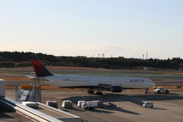 武田菱さんが、成田国際空港で撮影したデルタ航空 767-432/ERの航空フォト(飛行機 写真・画像)