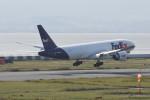 kuro2059さんが、関西国際空港で撮影したフェデックス・エクスプレス 777-FS2の航空フォト(飛行機 写真・画像)