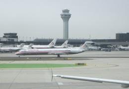 JA8037さんが、オヘア国際空港で撮影したアメリカン航空 MD-82 (DC-9-82)の航空フォト(飛行機 写真・画像)