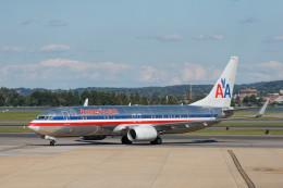 Airliners Freakさんが、ロナルド・レーガン・ワシントン・ナショナル空港で撮影したアメリカン航空 737-823の航空フォト(飛行機 写真・画像)