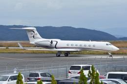 Gambardierさんが、岡山空港で撮影したケイマン諸島企業所有 G-V-SP Gulfstream G550の航空フォト(飛行機 写真・画像)