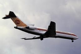 チャーリーマイクさんが、福岡空港で撮影したコンチネンタル・ミクロネシア 737-200の航空フォト(飛行機 写真・画像)