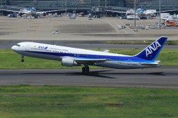 メンチカツさんが、羽田空港で撮影した全日空 767-381/ERの航空フォト(飛行機 写真・画像)
