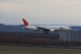 ゆう.さんが、新千歳空港で撮影した日本航空 777-246の航空フォト(飛行機 写真・画像)