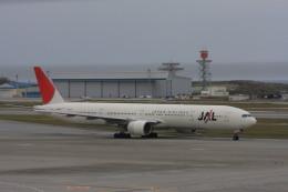 ゆう.さんが、那覇空港で撮影した日本航空 777-346の航空フォト(飛行機 写真・画像)