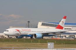 ゆう.さんが、成田国際空港で撮影したオーストリア航空 777-2B8/ERの航空フォト(飛行機 写真・画像)