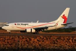 twining07さんが、シドニー国際空港で撮影したニューギニア航空 737-7L9の航空フォト(飛行機 写真・画像)