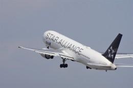 mild lifeさんが、伊丹空港で撮影した全日空 767-381/ERの航空フォト(飛行機 写真・画像)