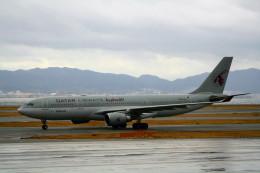 shibu03さんが、関西国際空港で撮影したカタール航空 A330-202の航空フォト(飛行機 写真・画像)