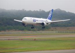 タミーさんが、秋田空港で撮影した全日空 767-381/ERの航空フォト(飛行機 写真・画像)