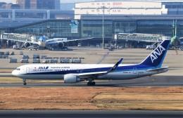 にしやんさんが、羽田空港で撮影した全日空 767-381/ERの航空フォト(飛行機 写真・画像)