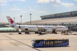 Yuko Yamaguchiさんが、北京首都国際空港で撮影した中国東方航空 A330-343Xの航空フォト(飛行機 写真・画像)