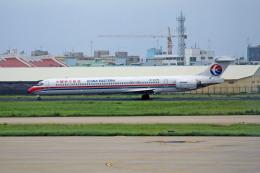 apphgさんが、廈門高崎国際空港で撮影した中国東方航空 MD-90-30の航空フォト(飛行機 写真・画像)