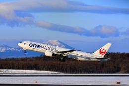 れんさんさんが、新千歳空港で撮影した日本航空 777-246の航空フォト(飛行機 写真・画像)