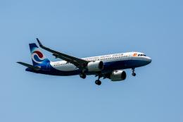 01yy07さんが、シンガポール・チャンギ国際空港で撮影した重慶航空 A320-251Nの航空フォト(飛行機 写真・画像)
