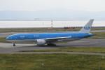 kuro2059さんが、関西国際空港で撮影したKLMオランダ航空 777-206/ERの航空フォト(飛行機 写真・画像)