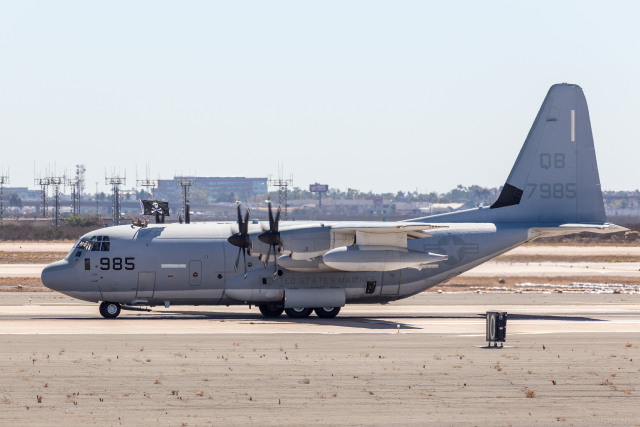 Y-Kenzoさんが、ミラマー海兵隊航空ステーション で撮影したアメリカ海兵隊 KC-130J Herculesの航空フォト(飛行機 写真・画像)