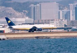 JA8037さんが、啓徳空港で撮影したミャンマー国際航空 757-2M6の航空フォト(飛行機 写真・画像)