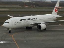 まひとさんが、新千歳空港で撮影した日本航空 777-289の航空フォト(飛行機 写真・画像)