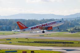 jombohさんが、チューリッヒ空港で撮影したイージージェット A319-111の航空フォト(飛行機 写真・画像)