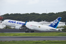 SGR RT 改さんが、成田国際空港で撮影した全日空 767-316F/ERの航空フォト(飛行機 写真・画像)