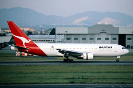 なごやんさんが、名古屋飛行場で撮影したカンタス航空 767-238/ERの航空フォト(飛行機 写真・画像)