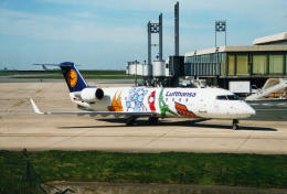 shibu03さんが、パリ シャルル・ド・ゴール国際空港で撮影したルフトハンザ・シティライン CL-600-2B19 Regional Jet CRJ-200LRの航空フォト(飛行機 写真・画像)