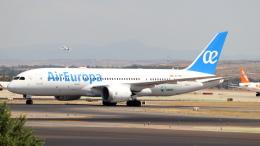 誘喜さんが、マドリード・バラハス国際空港で撮影したエア・ヨーロッパ 787-8 Dreamlinerの航空フォト(飛行機 写真・画像)