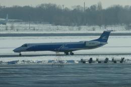 TUILANYAKSUさんが、ボルィースピリ国際空港で撮影したウインドローズ・エアラインズ ERJ-145LRの航空フォト(飛行機 写真・画像)