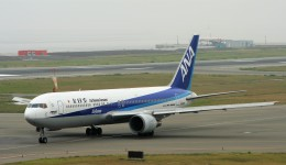 にしやんさんが、関西国際空港で撮影した全日空 767-381/ERの航空フォト(飛行機 写真・画像)