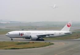 にしやんさんが、関西国際空港で撮影した日本航空 777-246/ERの航空フォト(飛行機 写真・画像)
