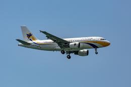 01yy07さんが、シンガポール・チャンギ国際空港で撮影したミャンマー国際航空 A319-112の航空フォト(飛行機 写真・画像)
