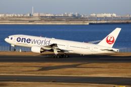 NANASE UNITED®さんが、羽田空港で撮影した日本航空 777-246の航空フォト(飛行機 写真・画像)